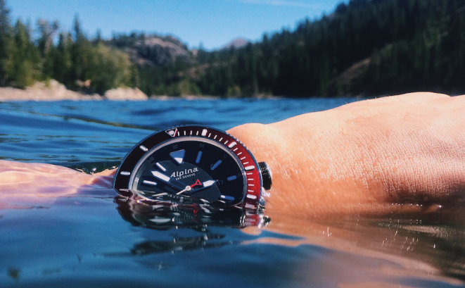 Đồng hồ bị vô nước