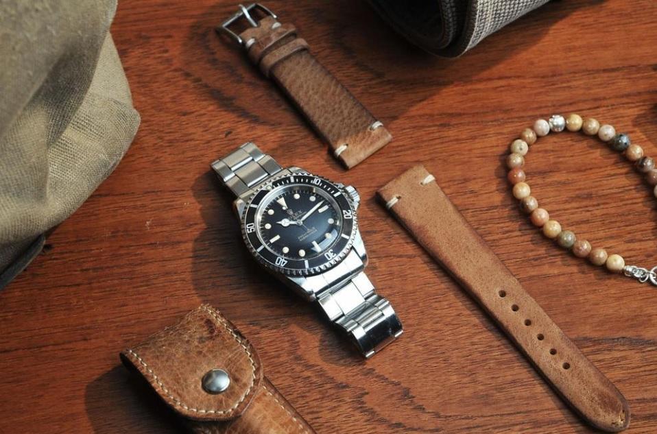 Hướng dẫn thay dây da cho đồng hồ kim loại