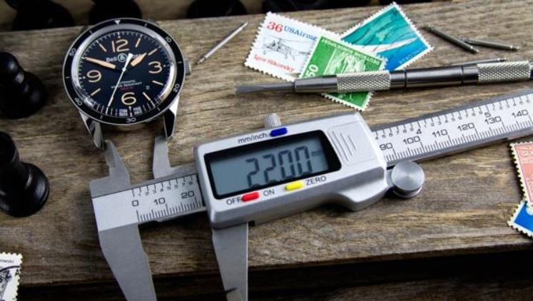 Hướng dẫn thay dây da cho đồng hồ kim loại_1