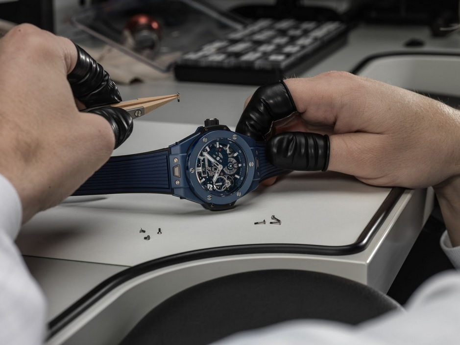 Hublot_Big_Bang_Meca-10_Blue_Ceramic