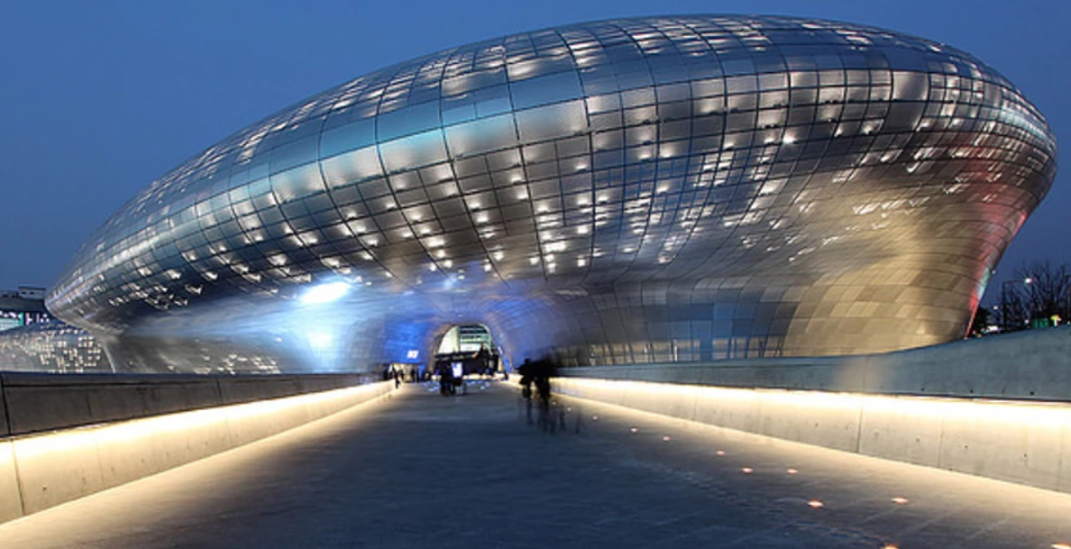Dongdaemun_Design_Plaza_in_Seoul,_South_Korea