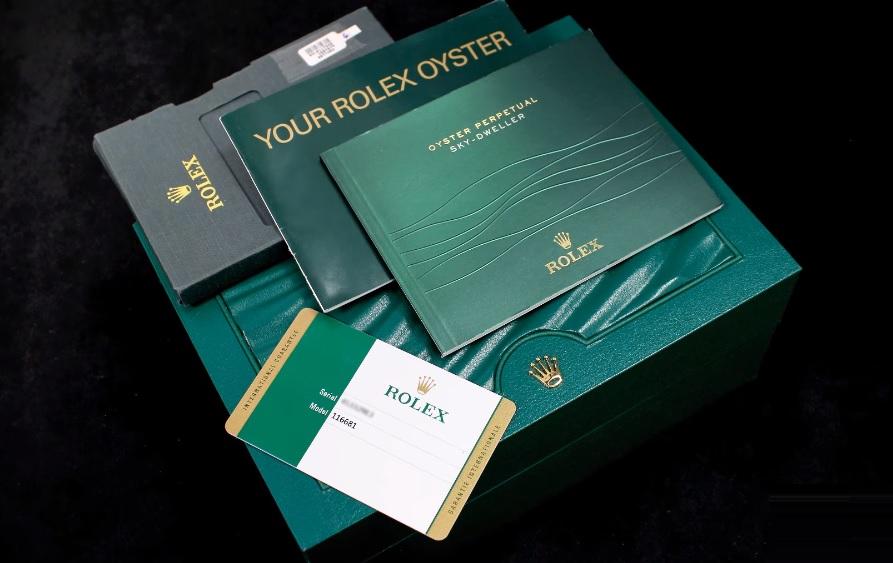 Hộp_đồng_hồ_Thẻ_bảo_hành_đồng_hồ_và_giấy_tờ_liên_quan_của_Rolex