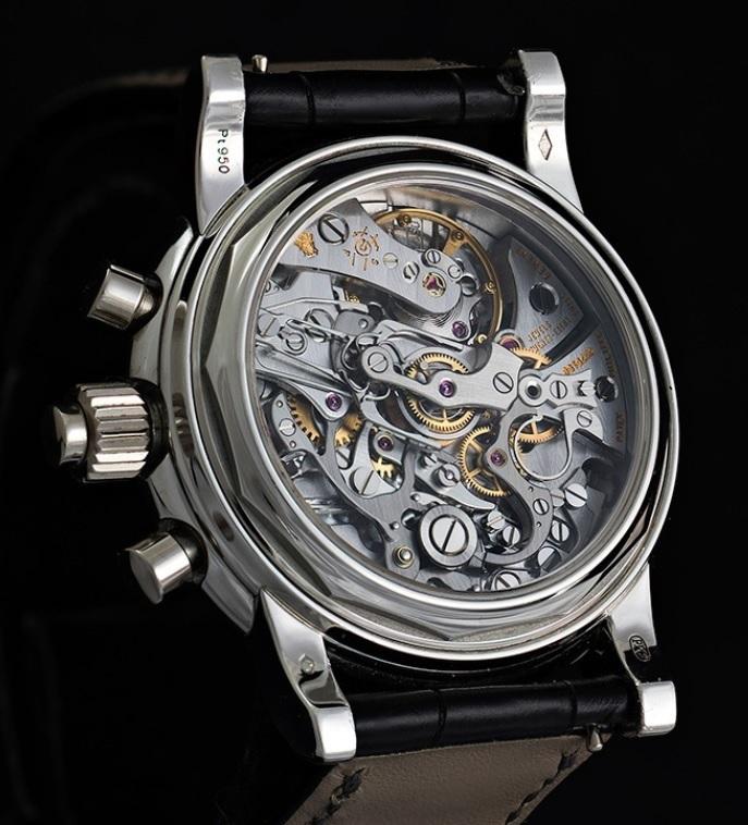 Ý kiến trái chiều về nghệ thuật hoàn thiện thủ công trong chế tác đồng hồ
