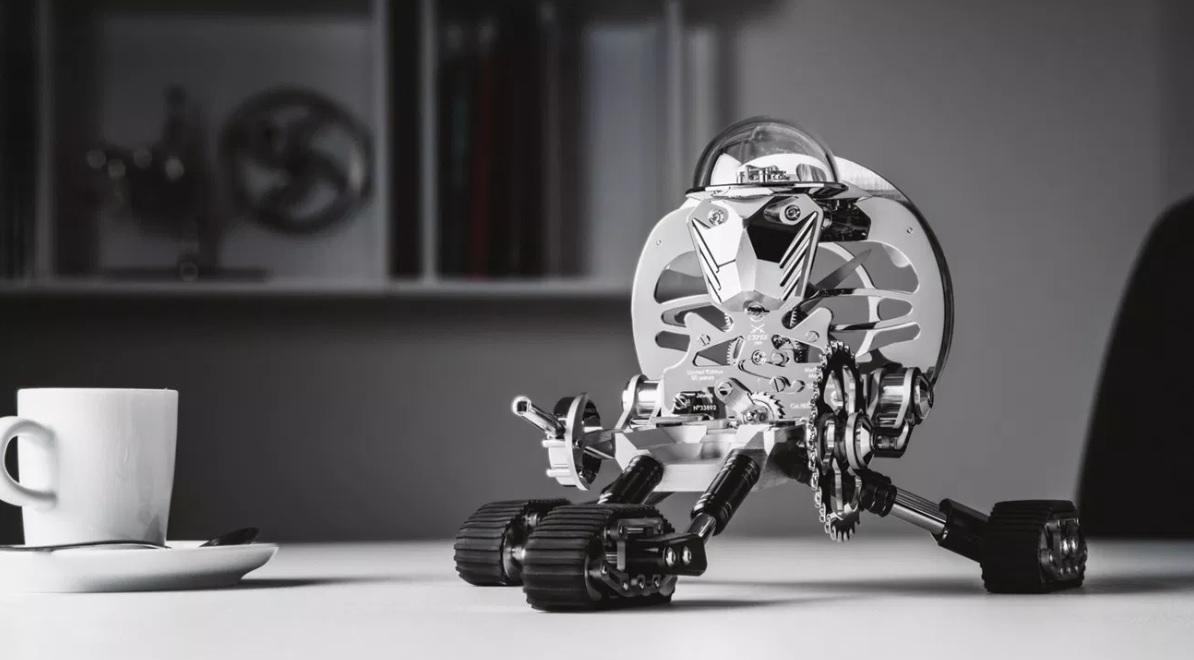 MB&F_Grant_Robot_Clock_By_L'Epée