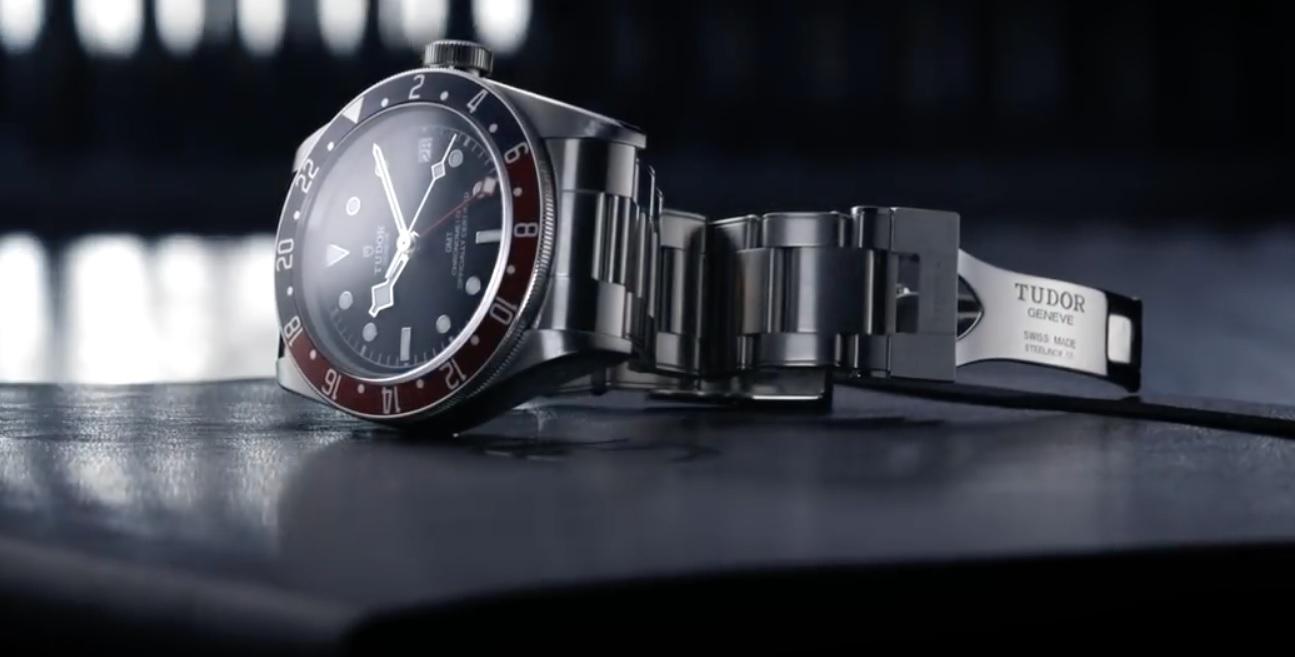 Đánh giá đồng hồ Tudor black Bay GMT