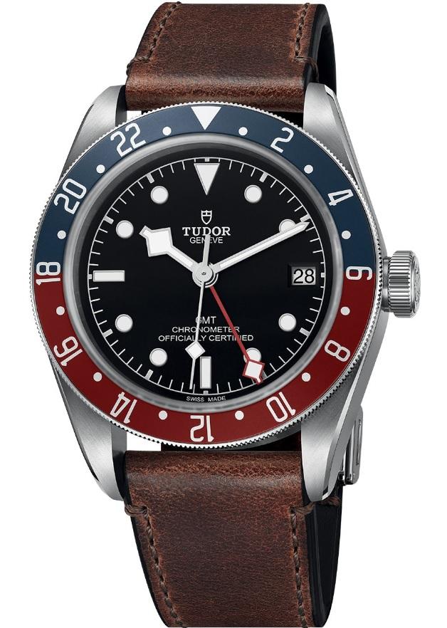 Đồng hồ Tudor black Bay GMT phiên bản dây da
