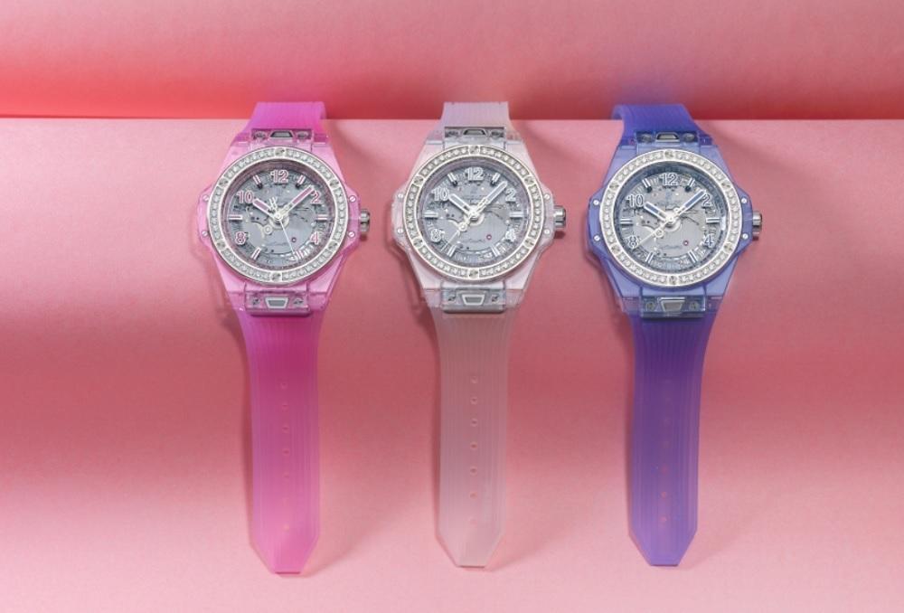 Bộ ba đồng hồ Big Bang One Click Sapphire dành cho phái đẹp, với ba màu sắc trắng-xanh-hồng