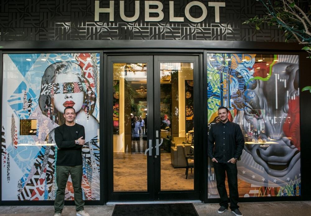 Hush (Trái) và Tristan Eaton (phải) trong sự hợp tác cùng Hublot