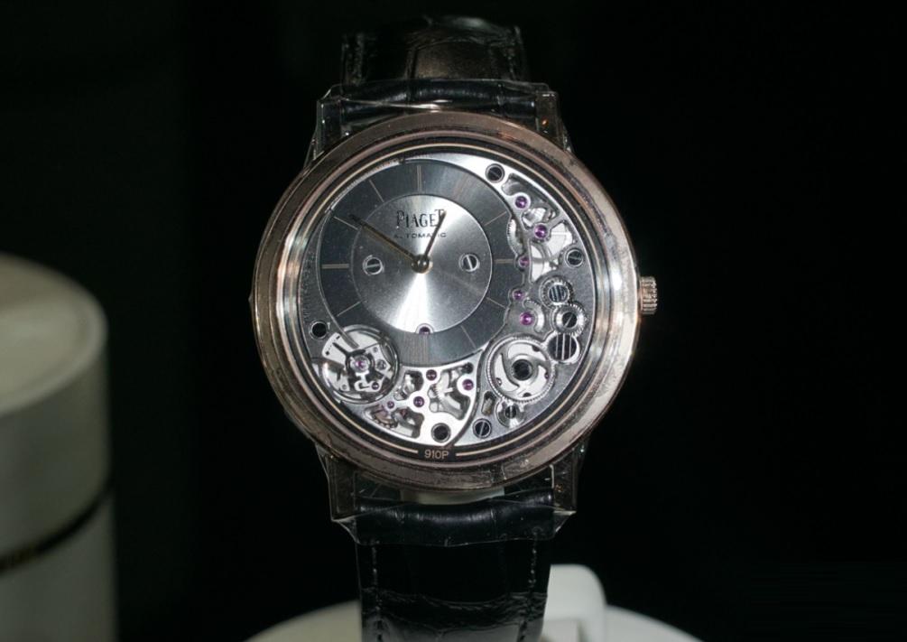 Piaget Altiplano Ultimate Automatic-mẫu đồng hồ tự động mỏng nhất thế giới