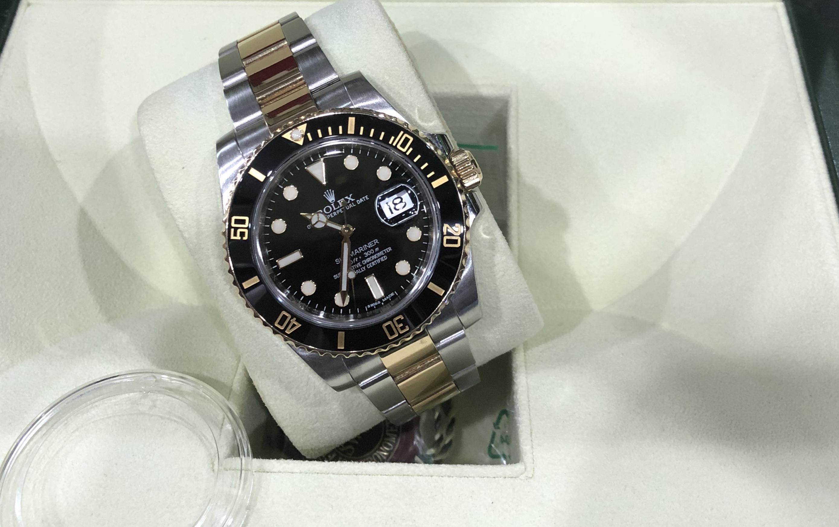 rolex-submariner-date-ref-116613ln-san-xuat-nam-2011-1