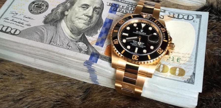 Đồng hồ nam cao cấp có giá dưới 20 ngàn đô la