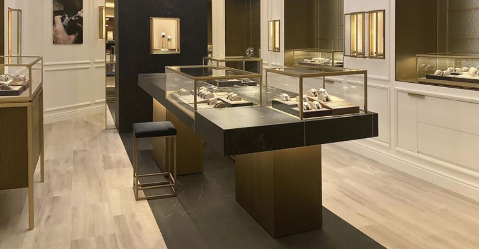 Phòng trưng bày đồng hồ đang bán