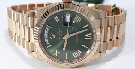 Đồng hồ Rolex Day-Date 40 Ref. 228235 dây đeo President