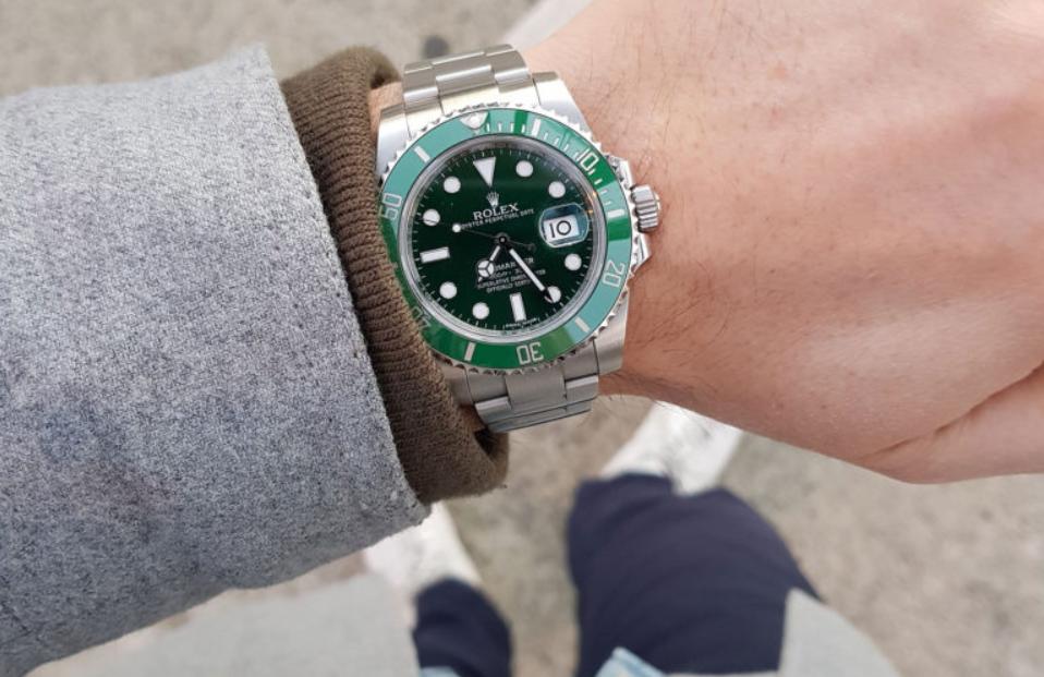 Đồng hồ Rolex Submariner Hulk 116610LV