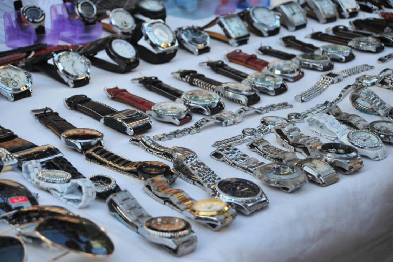Không nên mua đồng hồ Rolex Trung Quốc