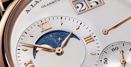 Đồng hồ Moonphase là gì?