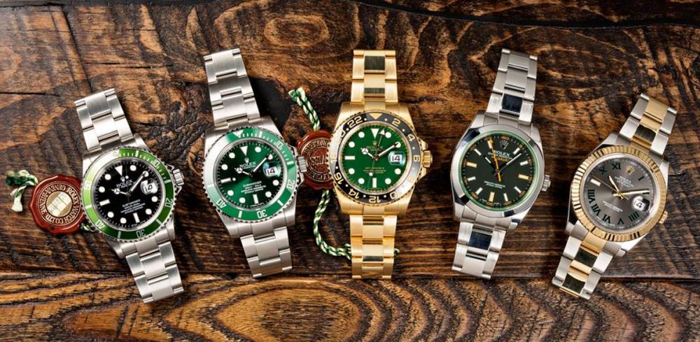 Đồng hồ Rolex màu xanh lá cây