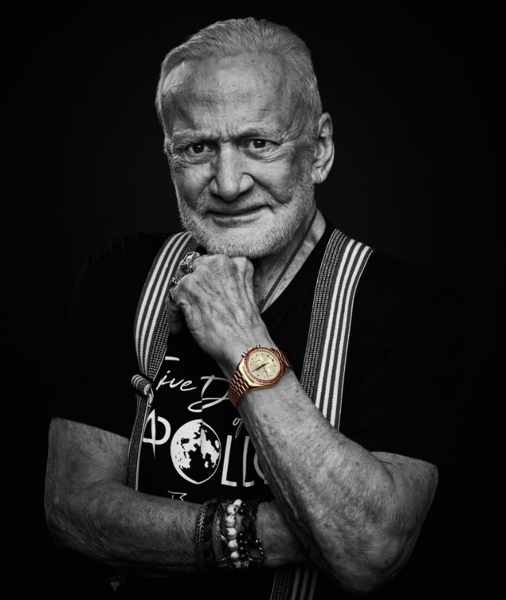 Phi hành gia Buzz Aldrin