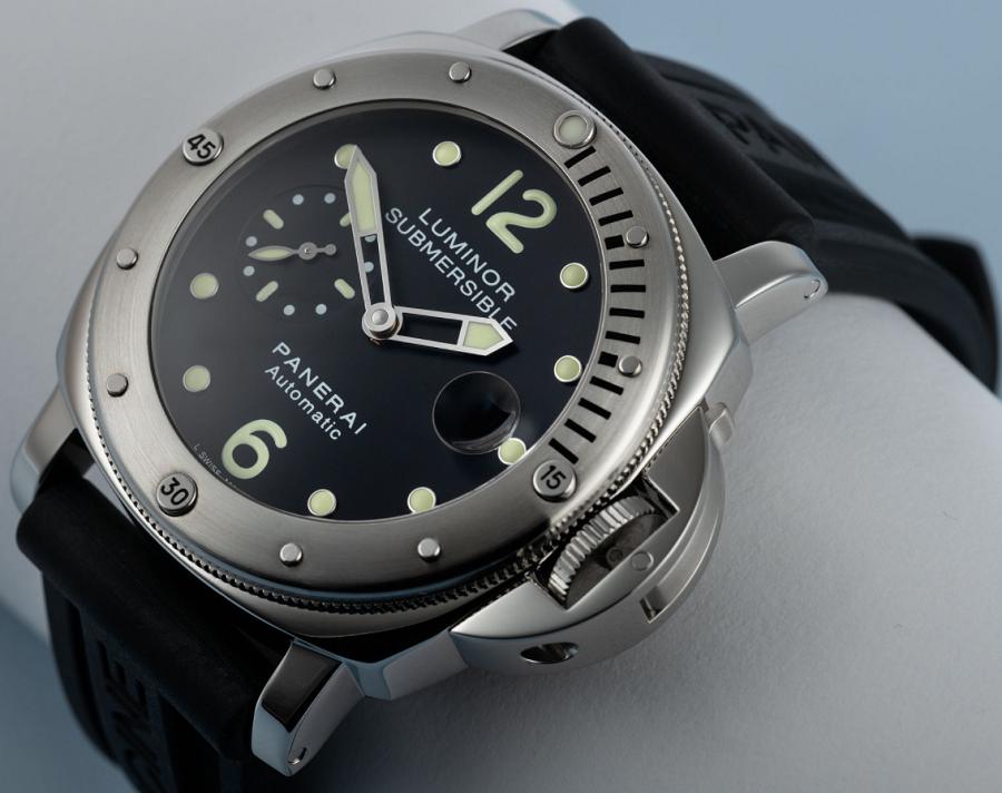 Đồng hồ Panerai Luminor Submersible PAM 024