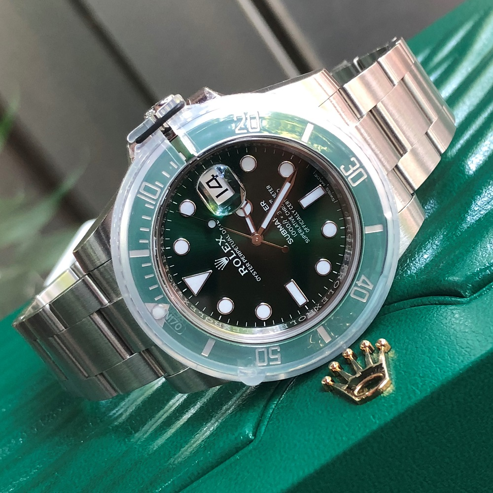 Rolex Submariner 116610LV Green Dial Oystersteel Fullbox Size 40