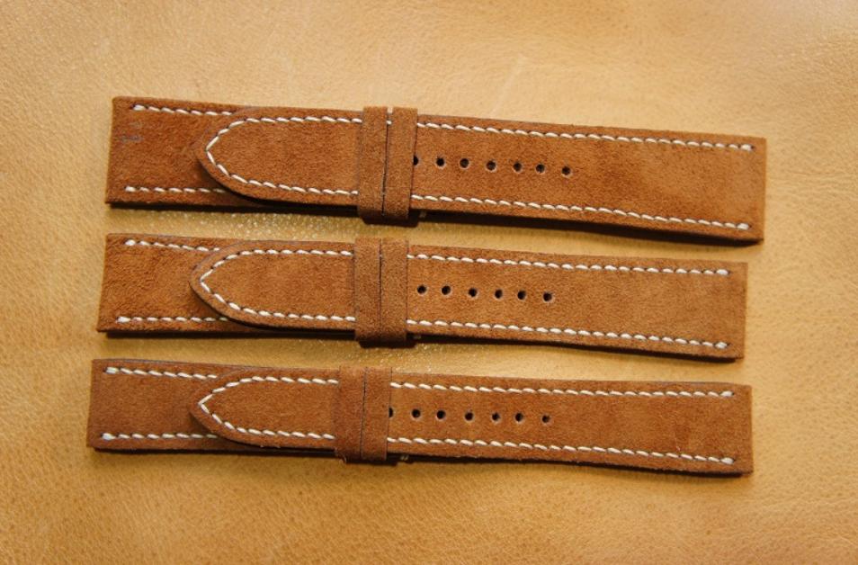 Cách vệ sinh dây da đồng hồ đeo tay được làm bằng da lộn