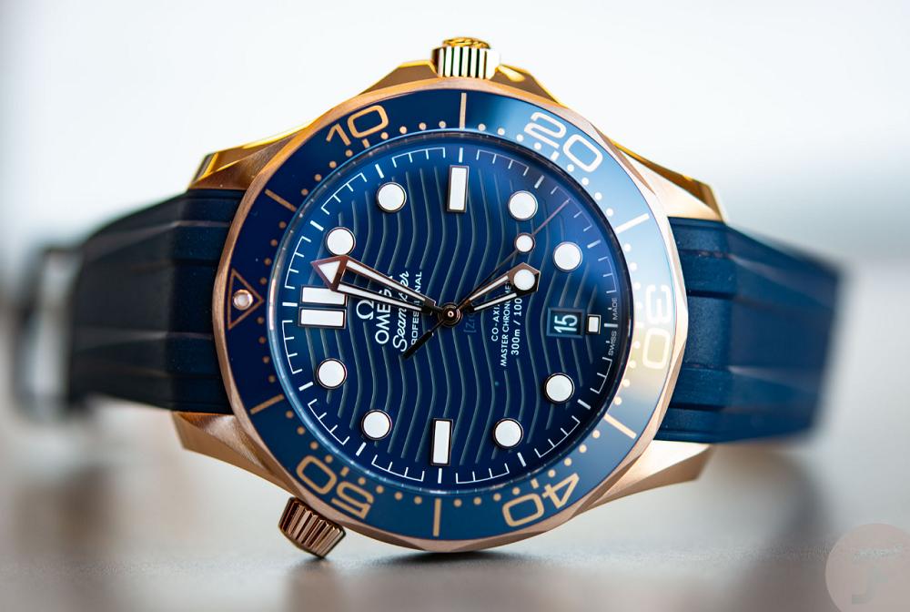 Đồng hồ Omega Seamaster 300M Sedna Gold