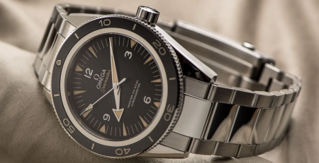 Đánh giá chi tiết đồng hồ Omega Seamaster 300 Co-Axial