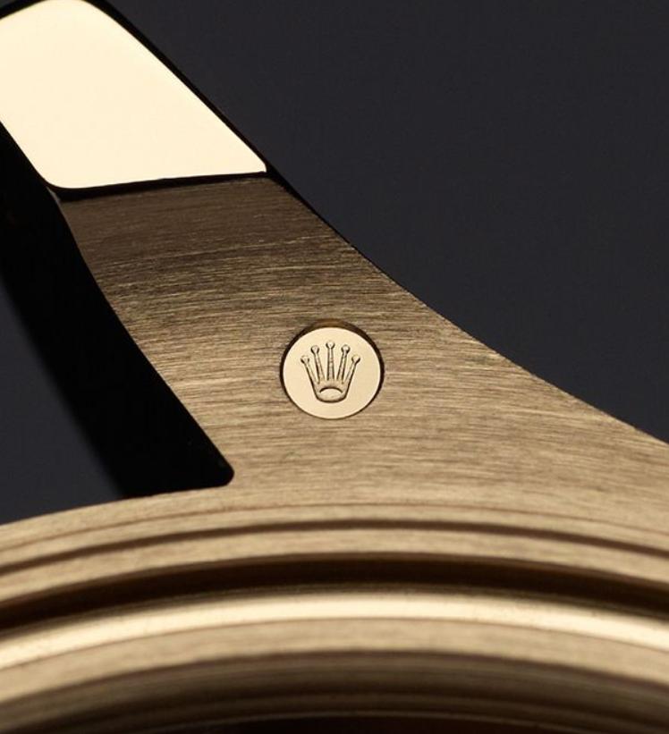 Dấu xác nhận tiêu chuẩn trên đồng hồ Rolex