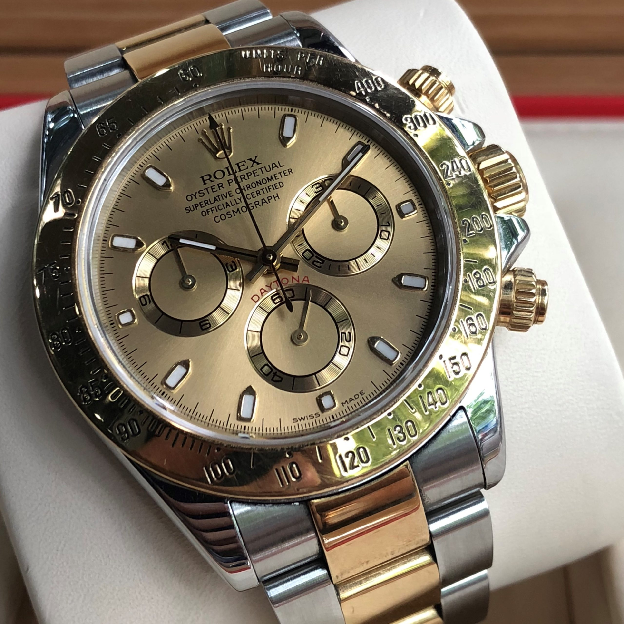 Rolex Cosmograph Daytona 116523 Yellow Rolesor Size 40mm Year 2005