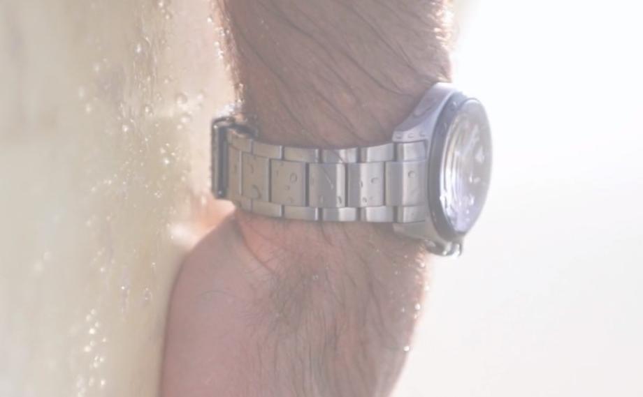 Dây đeo đồng hồ Citizen Chronomaster làm bằng vật liệu Super Titanium