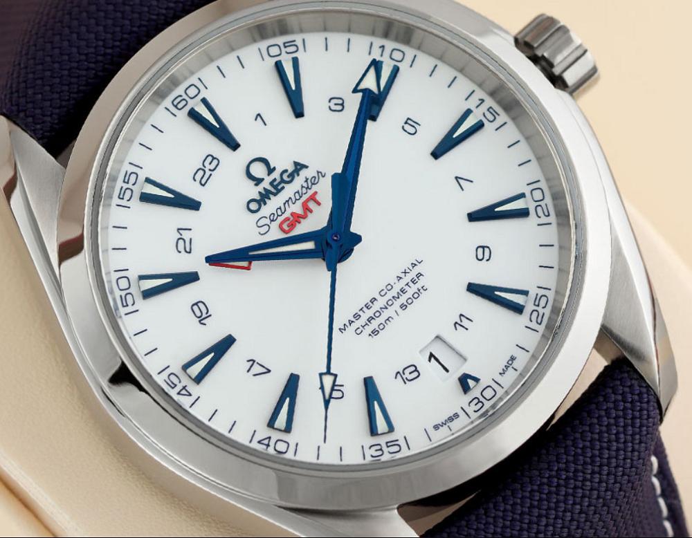Đồng hồ Aqua Terra GMT