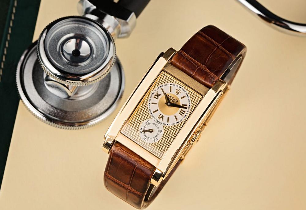 Đồng hồ Rolex Cellini mặt hình chữ nhật