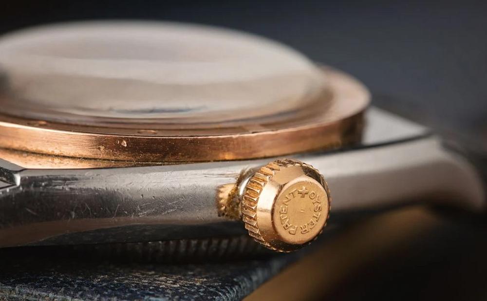 Núm Đồng hồ Rolex Oyster 3359 được làm bằng vàng