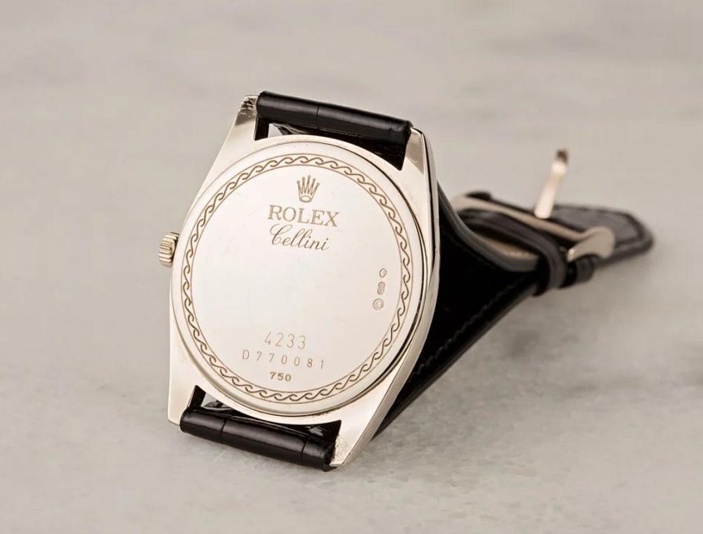 Mặt sau đồng hồ Rolex Cellini