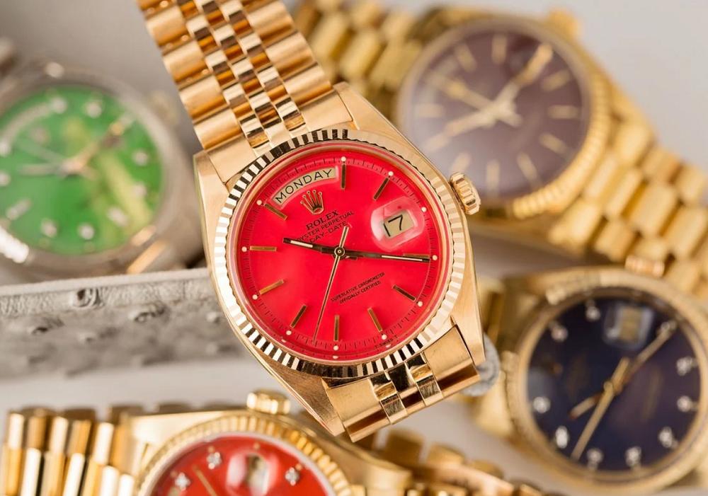 Đồng hồ Rolex Day-Date cổ điển mặt số Stella đỏ