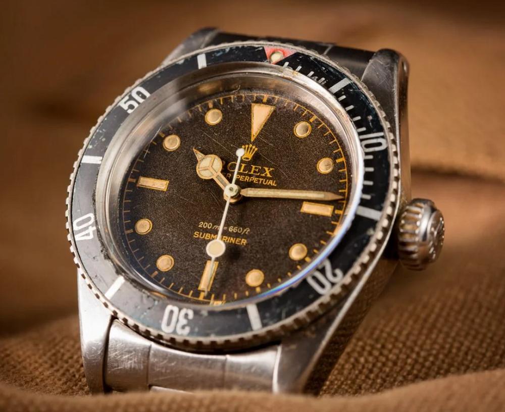 Dòng Rolex Submariner 5 chữ số và tham chiếu chuyển tiếp