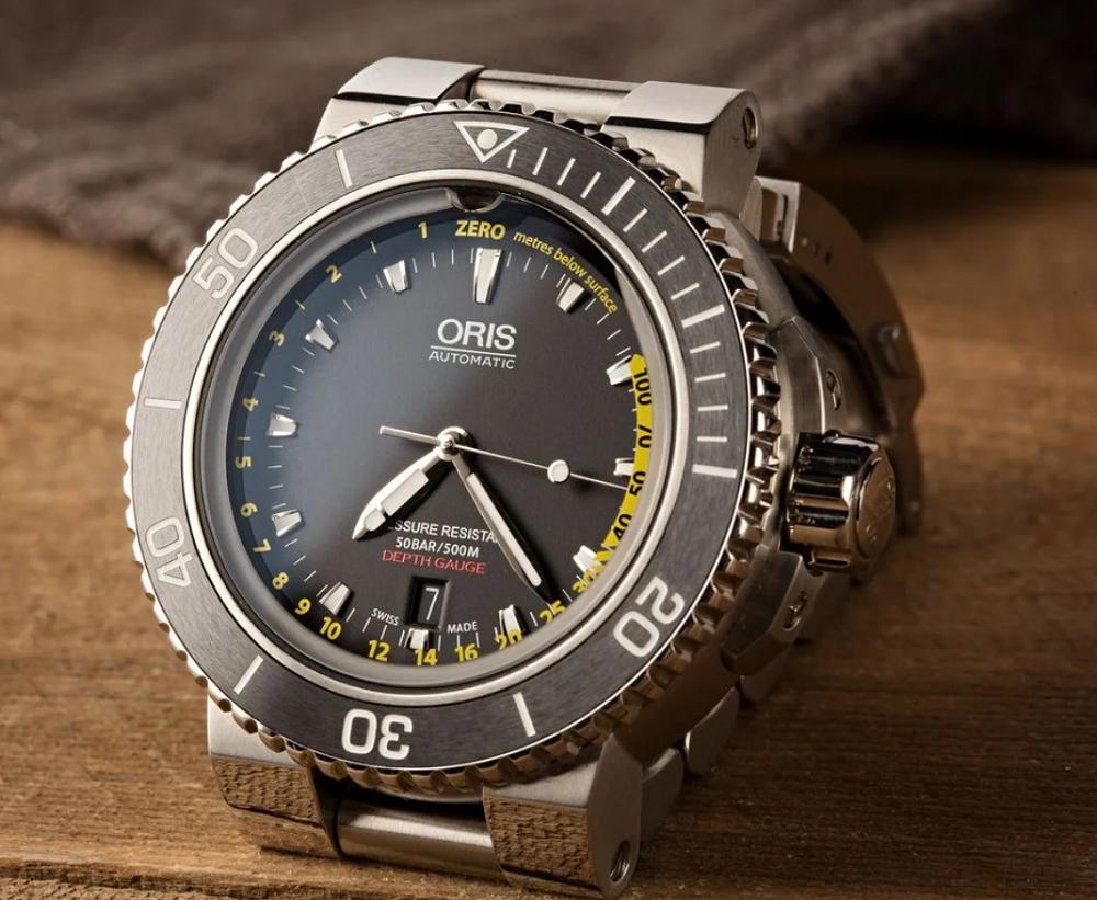 Đồng hồ Oris Aquis Depth Gauge
