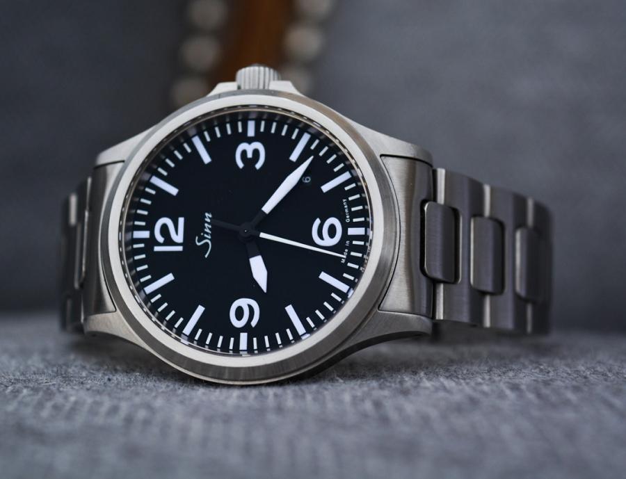 Đồng hồ Sinn 556a