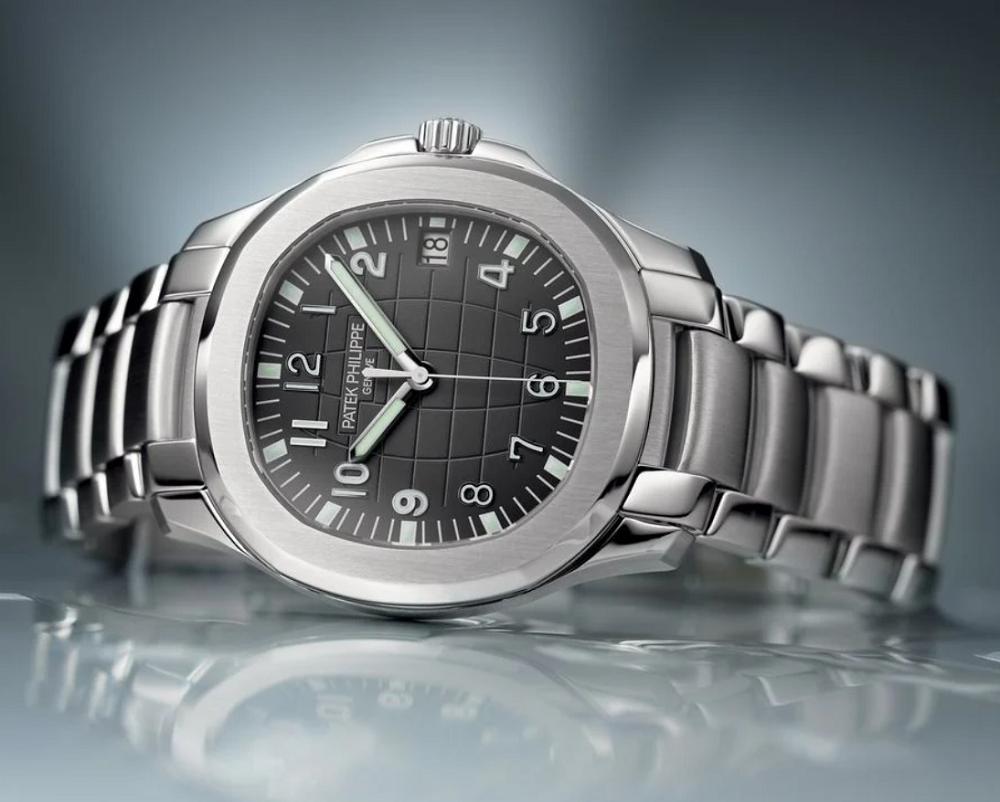 Giá bán lẻ đồng hồ Patek Philippe Aquanaut