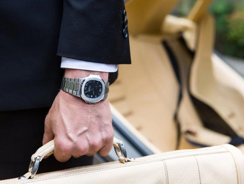 Hướng dẫn mua đồng hồ Patek Philippe cơ bản