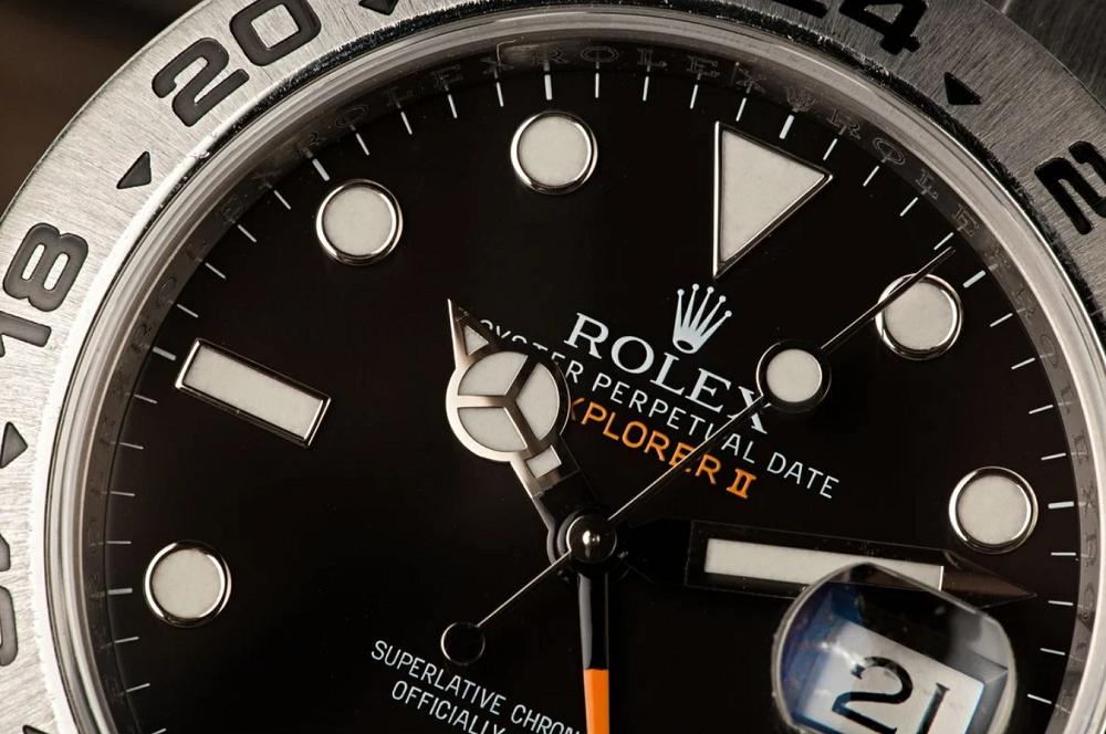 Cách sử dụng Rolex Explorer II như GMT