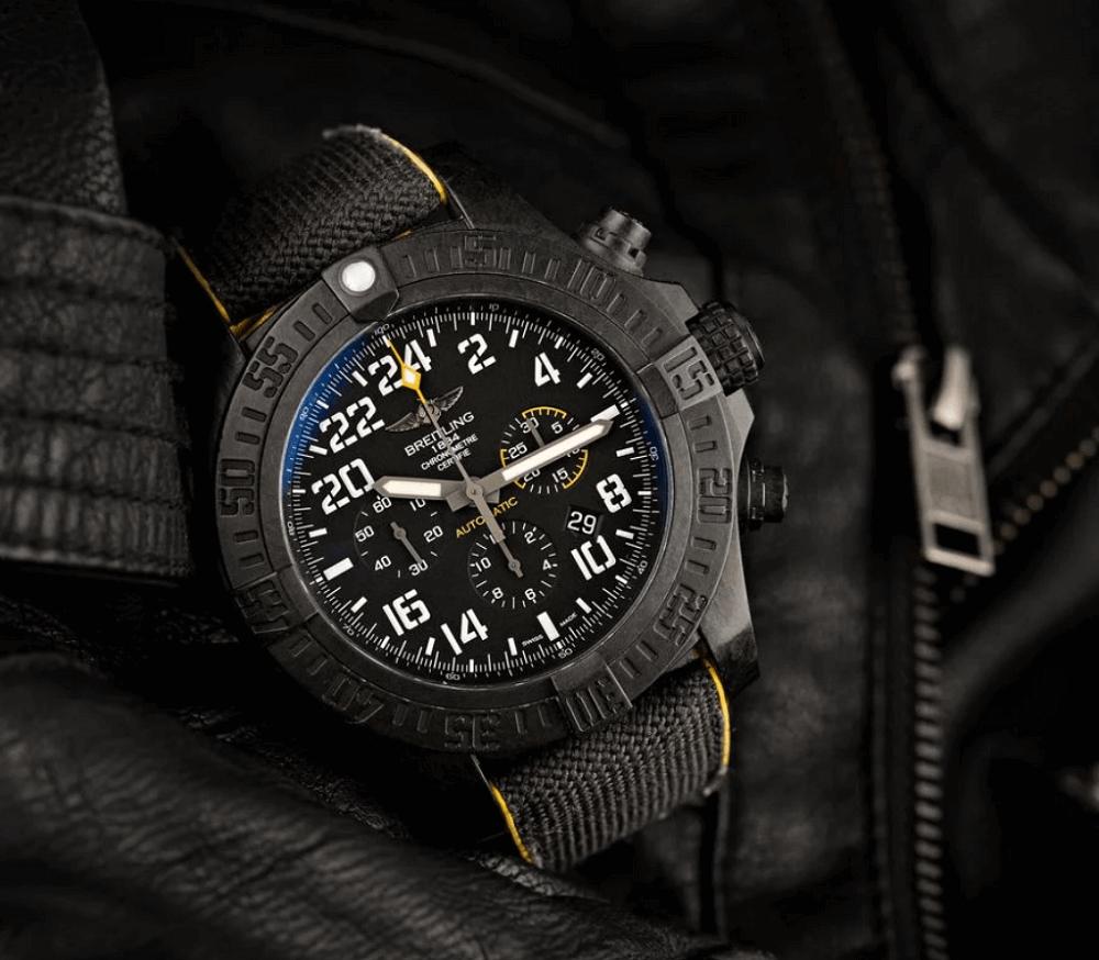 Đồng hồ Breitling Avenger Hurricane