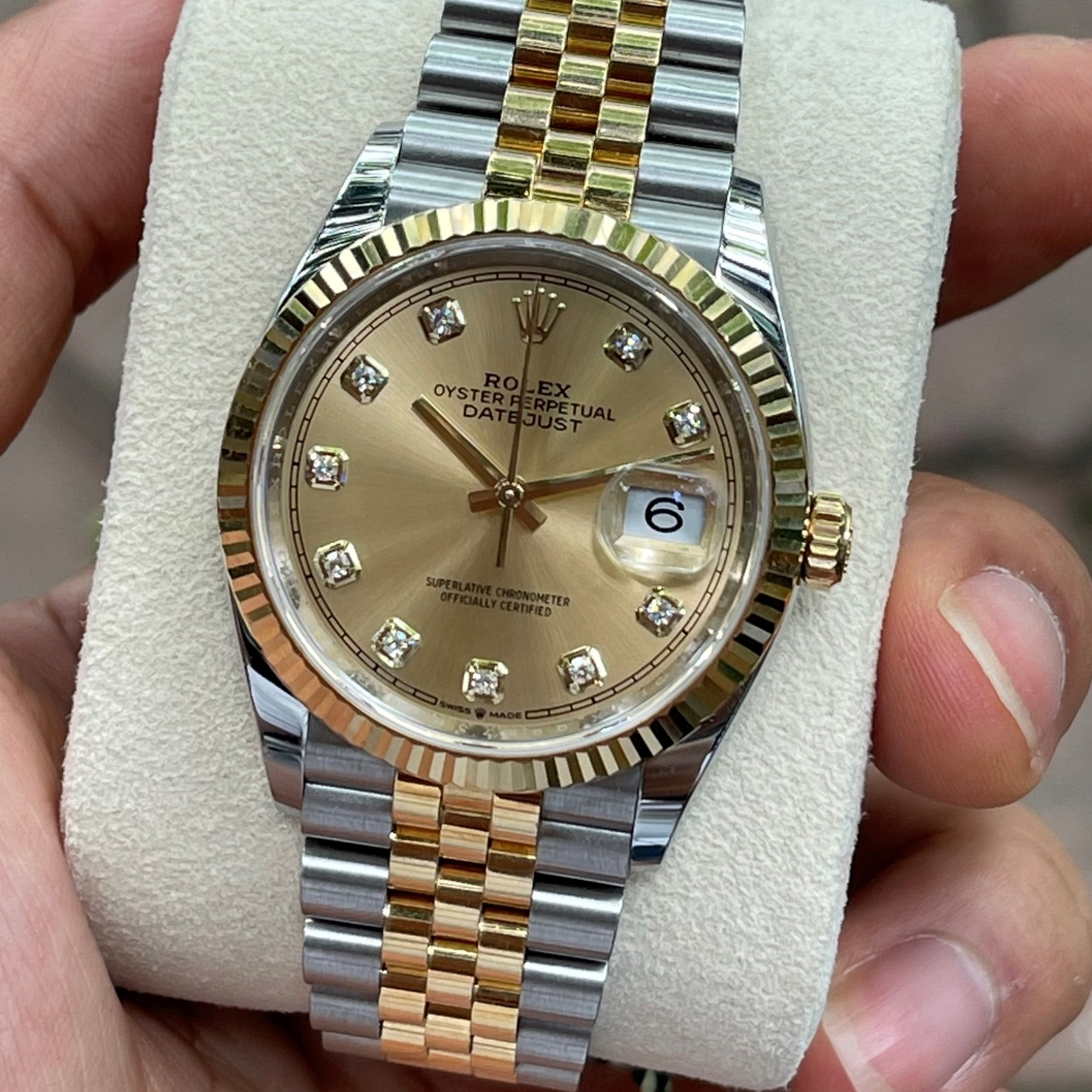 Dong-ho-Rolex-Datejust-126233-Champagne-Dial-Demi-vang-18k-4