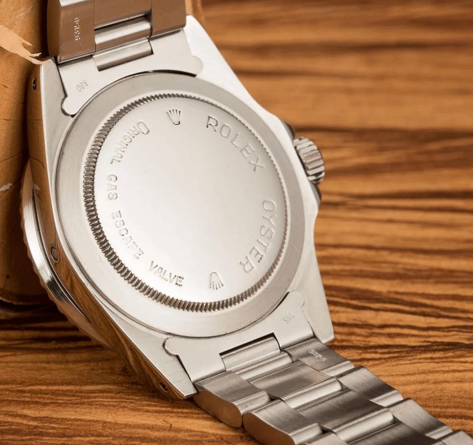 Đồng hồ Rolex Sea-Dweller 1665 - Khắc ốp lưng