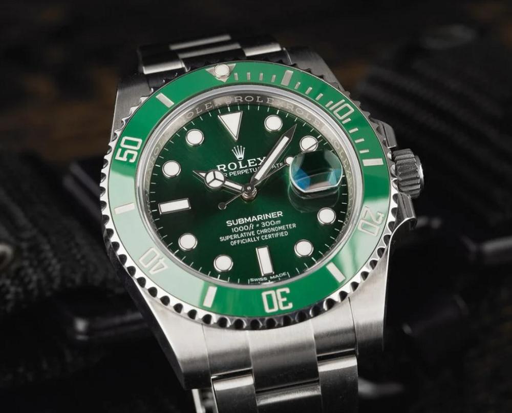 Đồng hồ Rolex Submariner 116610LV Biệt danh Hulk