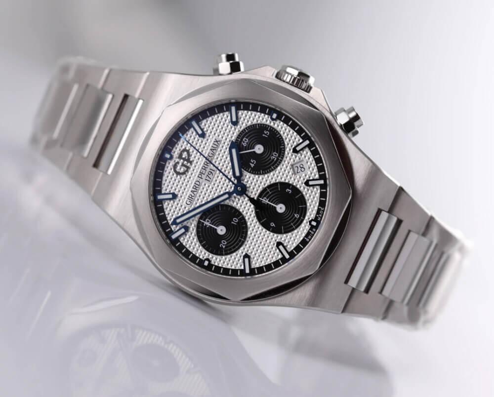 Đồng hồ Girard-Perregaux Laureato Chronograph 81020-11-131-11A