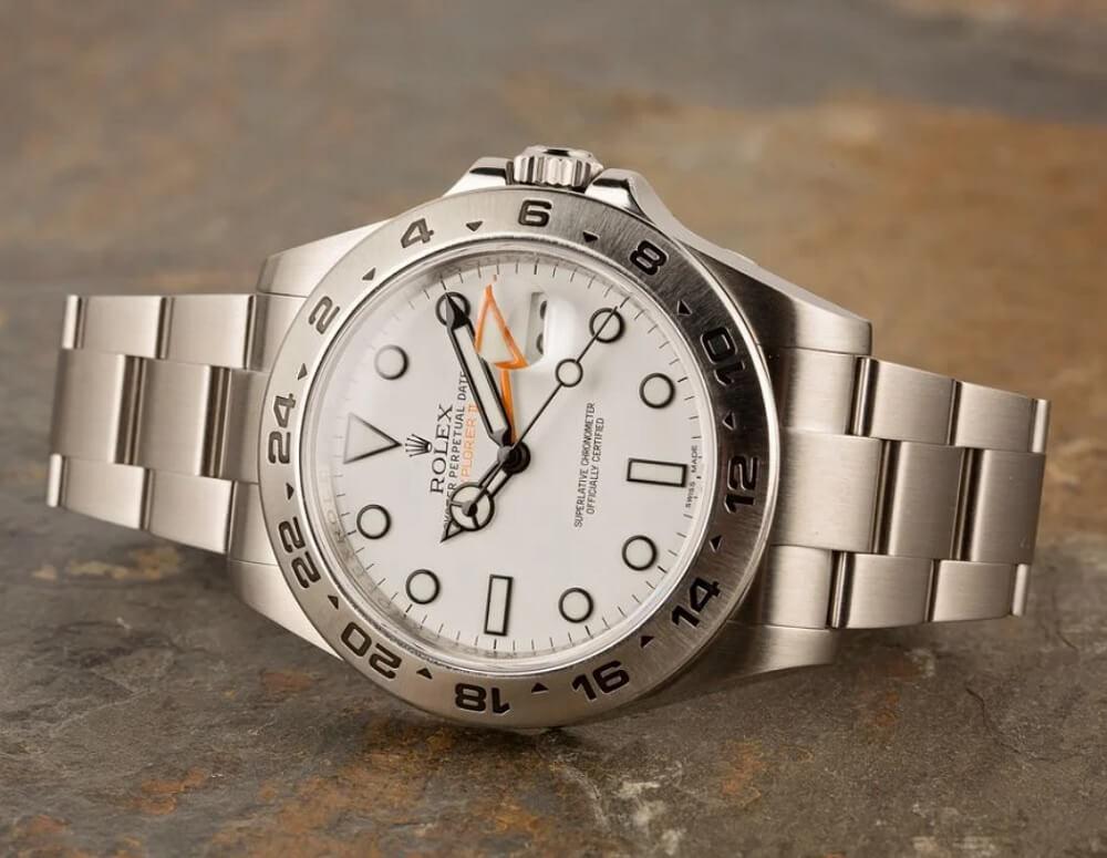 Mua đồng hồ Rolex Explorer II Ref. 216570