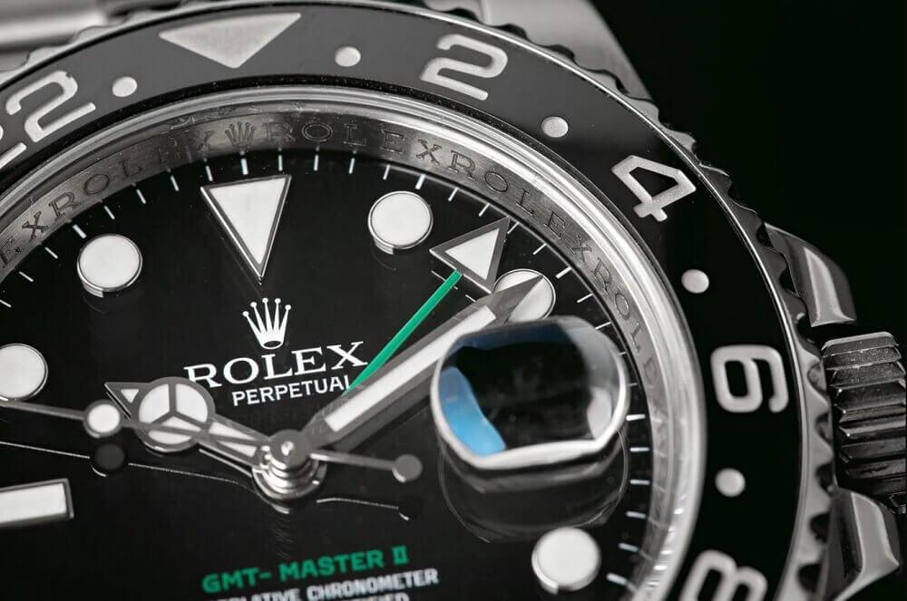 Đồng hồ Rolex GMT-Master II tham chiếu 116710LN - Mặt số màu đen
