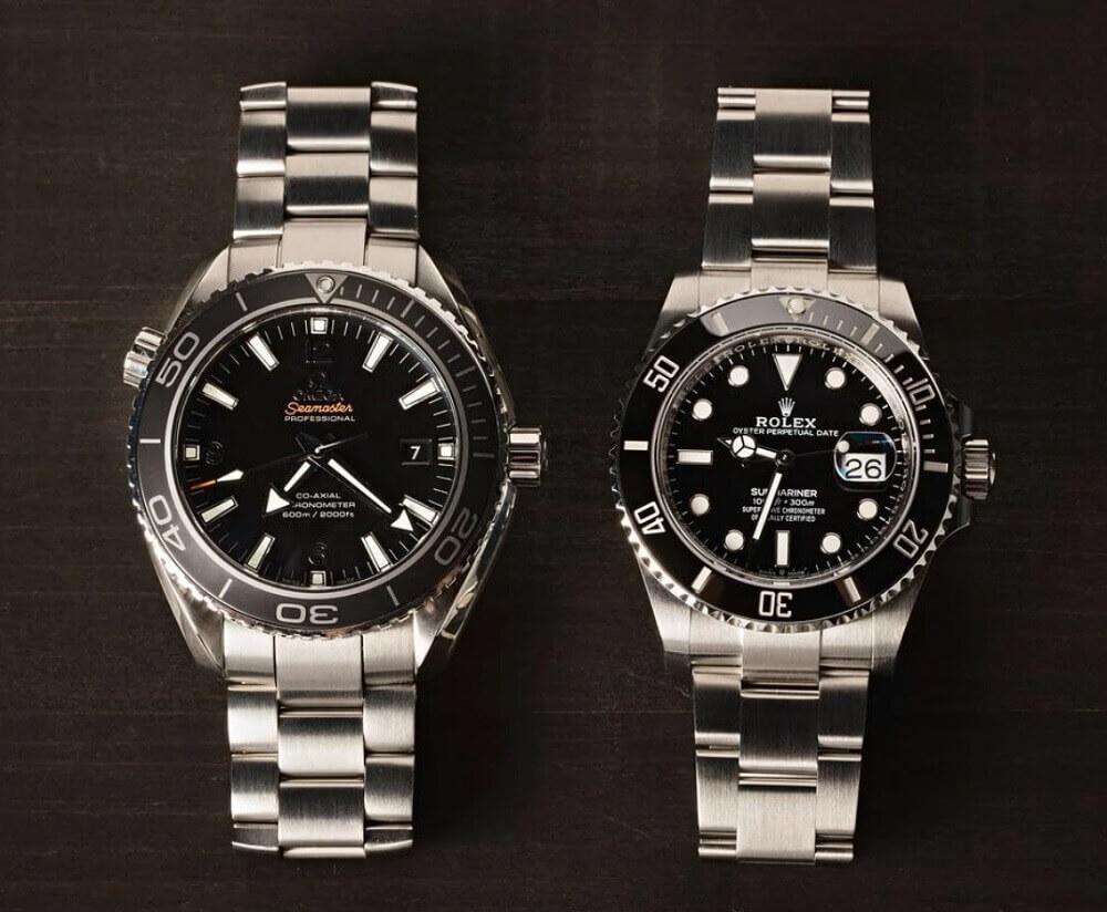 Giá trị giữa đồng hồ Omega Seamaster Planet Ocean với Rolex Submariner