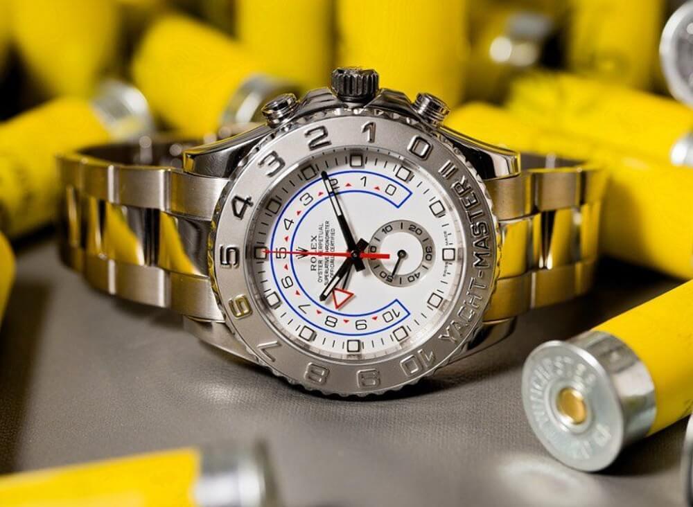 Những chiếc đồng hồ Rolex sang trọng có giá bán lẻ khoảng 50 nghìn USD